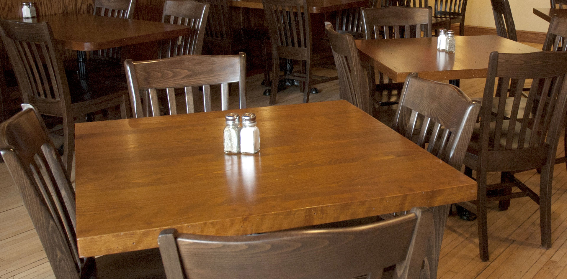 Plank Table Tops. Wood Plank Restaurant Table Tops   Wood Restaurant Tables  Solid