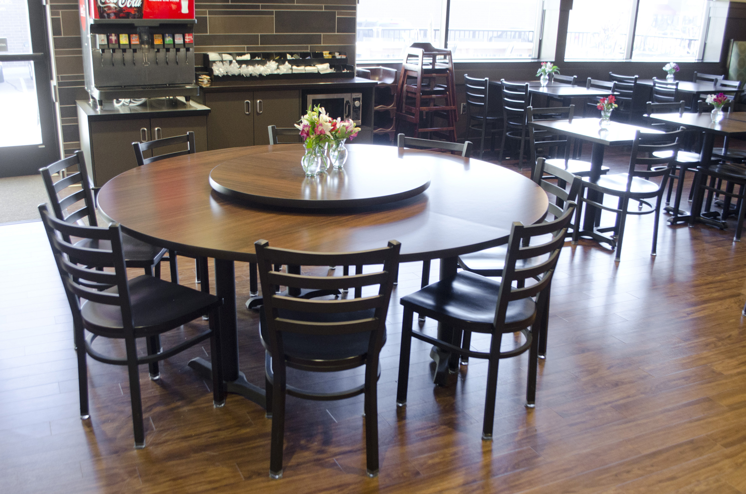 Lunds Amp Byerlys Restaurant Furniture Commercial Bar Furniture Plymold Essentials
